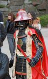 L'uomo in vestito dal samurai, turista può essere prende una foto per tenere un memoriale al castello di Himeji Fotografia Stock Libera da Diritti