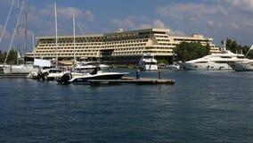 L'yacht viene su dal bacino Lasso di tempo archivi video