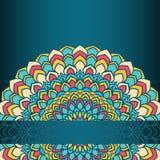 Laço abstrato floral decorativo do mão-desenho brilhante redondo com muitos detalhes na obscuridade - o inclinação azul coloriu o ilustração royalty free