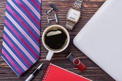 Laço, café e relógio fotografia de stock royalty free