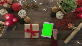 Laço da vista superior um presente de Natal da curva video estoque