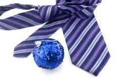 Laço e esfera coloridos do Natal Foto de Stock