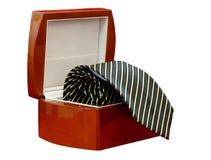 Laço em uma caixa isolada (com trajeto de grampeamento) Foto de Stock Royalty Free