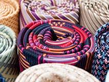 Laços de seda coloridos imagem de stock