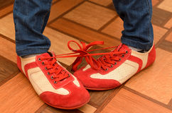 Laços encadernados de duas sapatas dos esportes Imagens de Stock Royalty Free