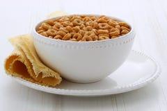 Laços inteiros do cereal do trigo Imagens de Stock Royalty Free