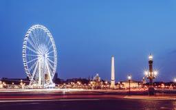 La协和飞机和纪念碑激动人心的景色在晚上 库存照片