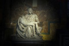 La圣母怜子图在圣皮特大教堂 库存照片