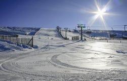 La在中央系统的Covatilla滑雪场,萨拉曼卡,西班牙 免版税库存照片