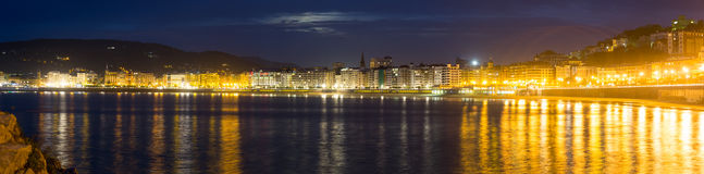 La外耳海湾全景在秋天夜 库存照片