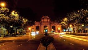La普埃尔塔De Alcala曲拱,马德里,西班牙时间间隔  晚上雨雪业务量 股票录像