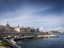 La瓦莱塔老镇设防建筑学风景视图 免版税库存照片