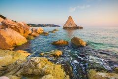 La缘膜在亚得里亚海,马尔什靠岸 免版税图库摄影