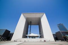 La重创的曲拱在La国防产业区,巴黎,法国 库存照片