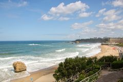 La重创的色球,伟大的海滩比亚利兹 免版税库存图片