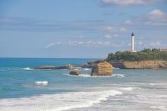 La重创的色球,伟大的海滩比亚利兹 免版税库存照片