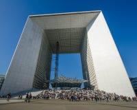 La重创的Arche在巴黎,法国 库存照片