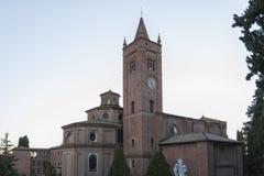 La abadía de Monte Oliveto Maggiore es un monasterio benedictino grande en la región italiana de Toscana, cerca de Siena Fotografía de archivo libre de regalías