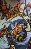 La abeja de la pintada con no hace - prohibición--puede el lema Fotografía de archivo