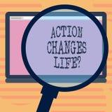 La acción del texto de la escritura de la palabra cambia cosas Concepto del negocio para superar adversidad tomando medidas en de stock de ilustración
