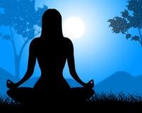 La actitud de la yoga muestra espiritualidad relajante y calma Imagen de archivo libre de regalías