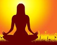 La actitud de la yoga representa ejercicio del cuerpo y medita Imagen de archivo