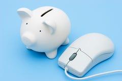 La actividad bancaria e invierte en línea imágenes de archivo libres de regalías