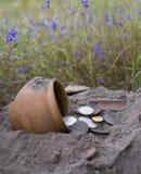 La acumulación de las monedas de oro Imágenes de archivo libres de regalías