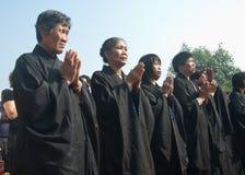 La adoración de un godness Guanyin de Buddism Imágenes de archivo libres de regalías