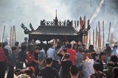 La adoración de un godness Guanyin de Buddism Imagen de archivo