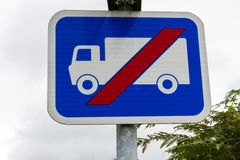 La advertencia rectangular azul BRITÁNICA canta, no conveniente para el HGV Fotos de archivo libres de regalías