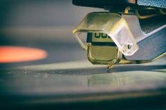 La aguja del jugador del análogo del vinilo Foto de archivo libre de regalías