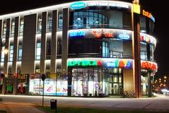 La alameda Alto Wilanow ALTO Wilanow es una alameda de compras situada en el ³ w de Wilanà Imagen de archivo