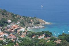 La aldea de San Andrea en el coasast de Elba i Fotografía de archivo libre de regalías