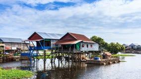 La aldea en el río Imagen de archivo