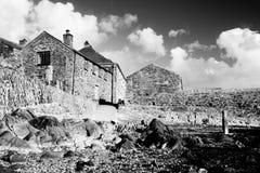 La aldea negra y blanca imágenes de archivo libres de regalías