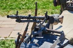La ametralladora es fija en el cochecillo de la motocicleta Fotografía de archivo libre de regalías