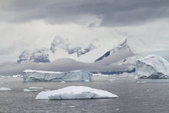 La Antártida - paisaje dramático Imagen de archivo