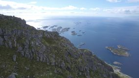La antena de las islas de Lofoten Henningsvær revela almacen de metraje de vídeo