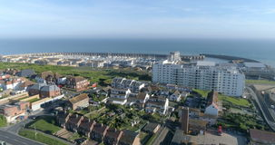 La antena saca la visión del puerto deportivo de Brighton en Inglaterra metrajes
