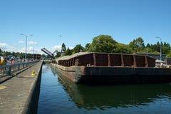 La arena y la grava barge adentro se cierra fotografía de archivo