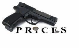 La arma de mano rastrilló la inscripción de Foto de archivo