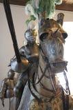 La armadura jousting del caballero y un caballo fotografía de archivo libre de regalías