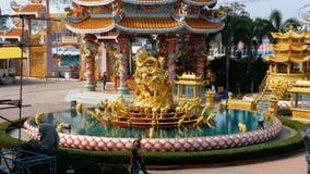 La arquitectura del templo chino Bangsaen en Tailandia metrajes