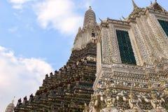 La arquitectura hermosa de Wat Arun en Bangkok Foto de archivo libre de regalías