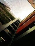 La arquitectura mira para arriba para mirar para arriba el cielo Imagen de archivo libre de regalías