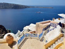 La arquitectura tradicional de Santorini, opinión de Oia, mar. Fotografía de archivo