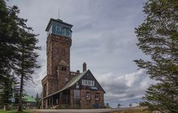 La atalaya en bosque negro amarra imagenes de archivo