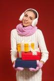 La atmósfera del invierno tiró del modelo en el estudio Imágenes de archivo libres de regalías