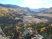 La Autunno-vista, valle della montagna trascura immagini stock libere da diritti